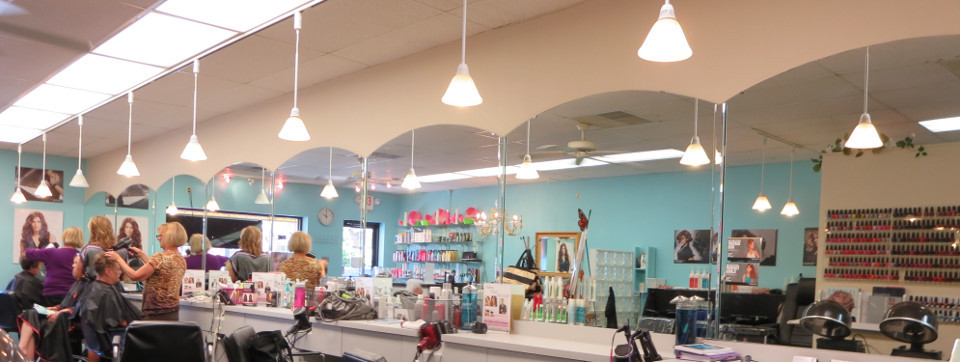 Reyna Hair and Nail Salon in St Louis